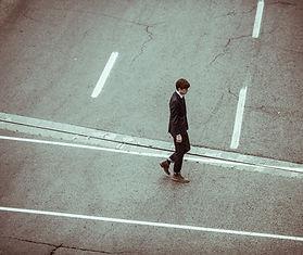 Man Kreuzung Straße