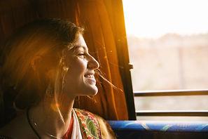 Jente_på_bussen.jpg
