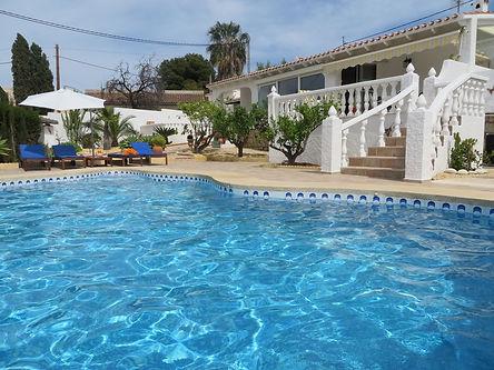 Holiday Altea - Luxury 3 bedroom Villa for rent in L'Alfas del Pi