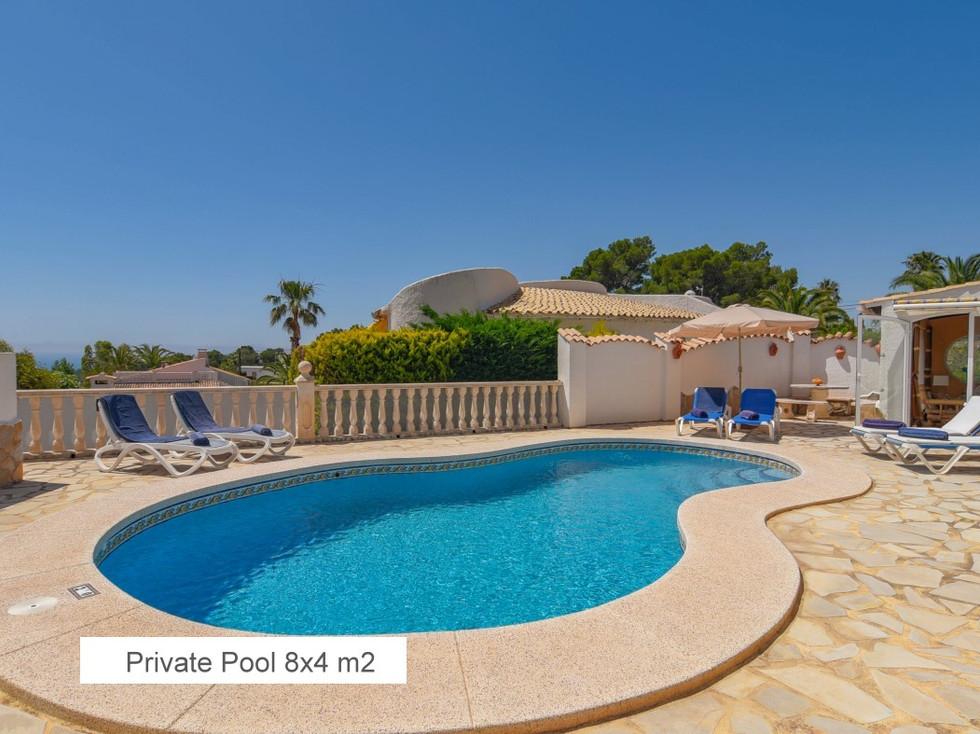 12  Private Pool 8 x 4 m2.jpg