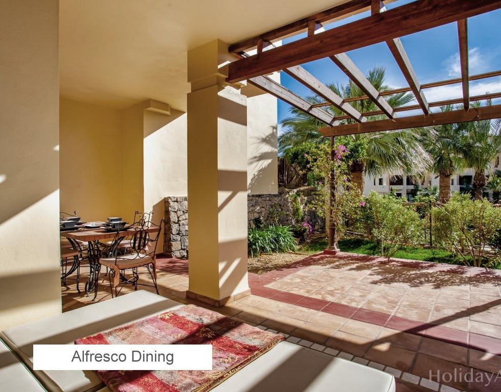 13 Alfresco Dining.jpg
