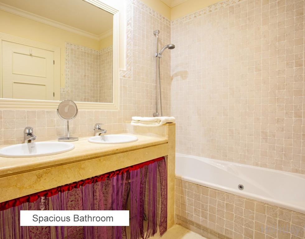 10 SPACIOUS BATHROOM.jpg