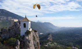 Paragliding in Guadalest