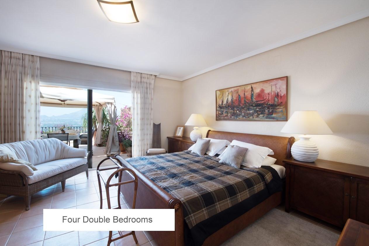 09 FOUR DOUBLE BEDROOMS.jpg