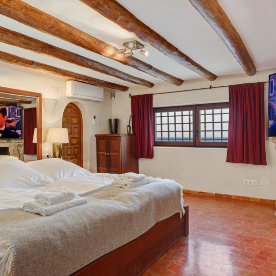 Mistral-Bedroom (2).jpg