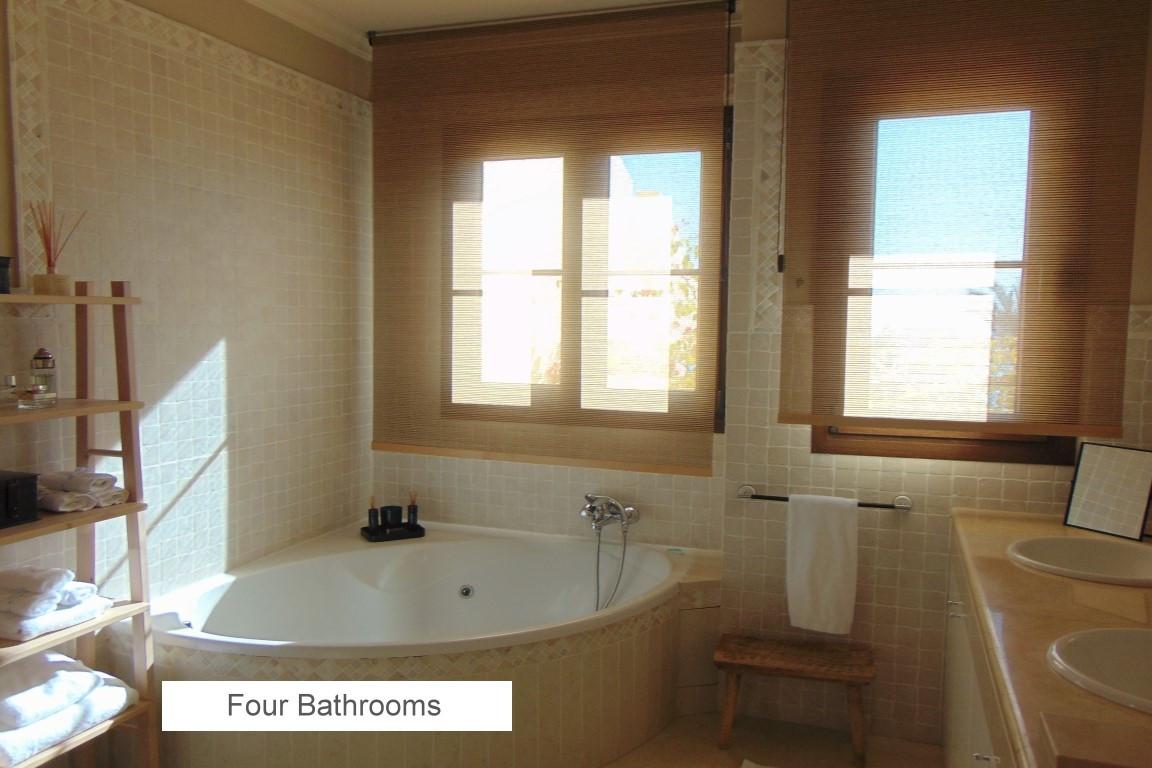 08 4 BATHROOMS.jpg