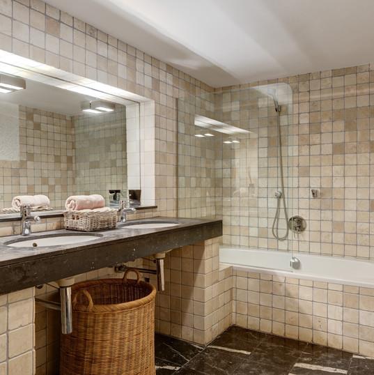 Mistral-Bathroom (3).jpg