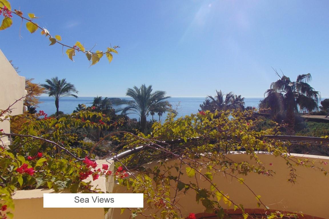 16 SEA VIEWS.jpg