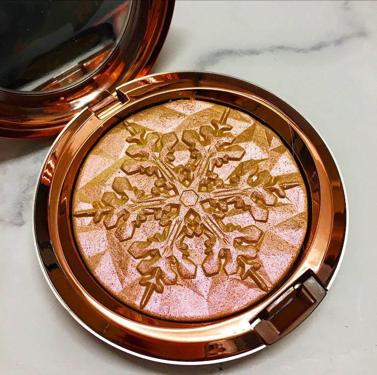 MAC Cosmetics Snow Ball Review | FYI Beauty November Favourites | UK Makeup News