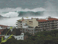 Waves by daiquiri dicks, PV, MX.