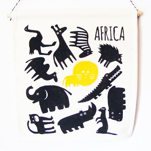 Banderola infantil de tela. Fauna africana serigrafiada a mano.