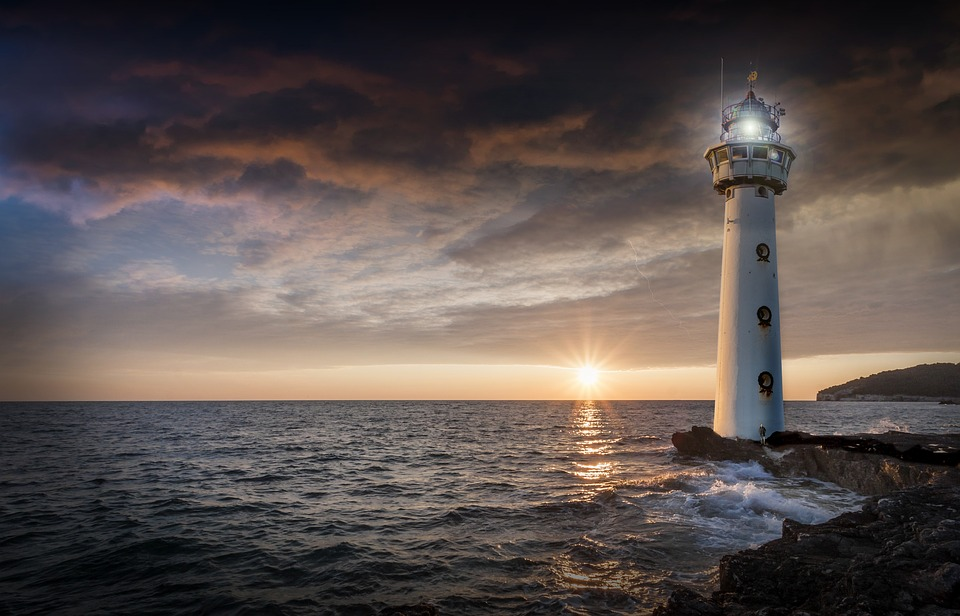 lighthouse-2372461_960_720
