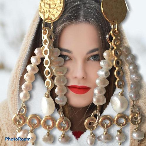 Orecchinitriangolo di perle e zama