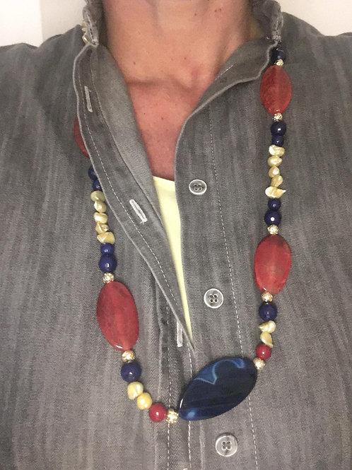 Collana fette di agata rosse e blu con oro