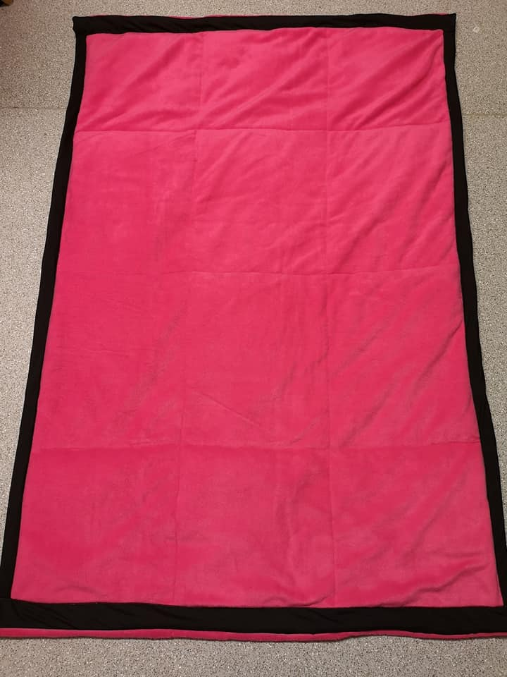 CERISE PINK WEIGHTED BLANKET