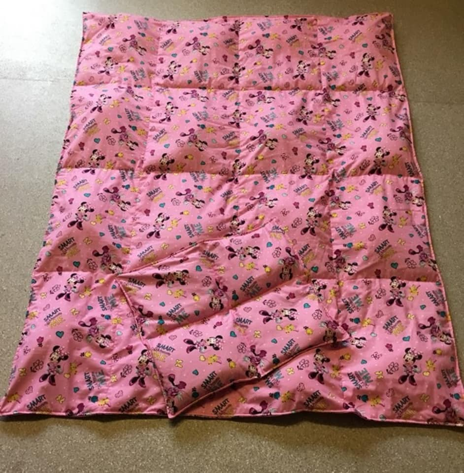 MINNIE MOUSE WEIGHTED BLANKET