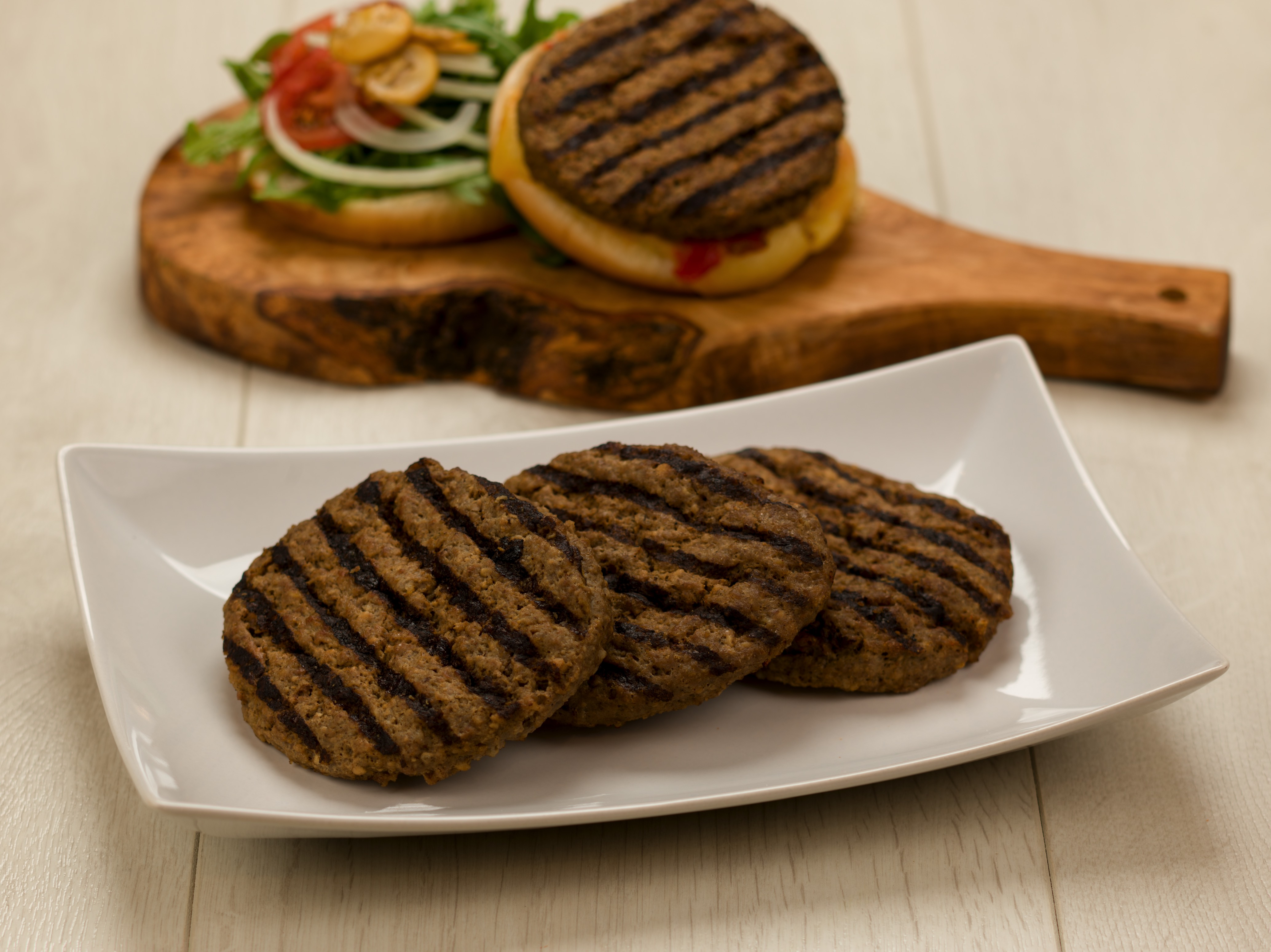 2141 Cooked Chargrilled Beef Burger