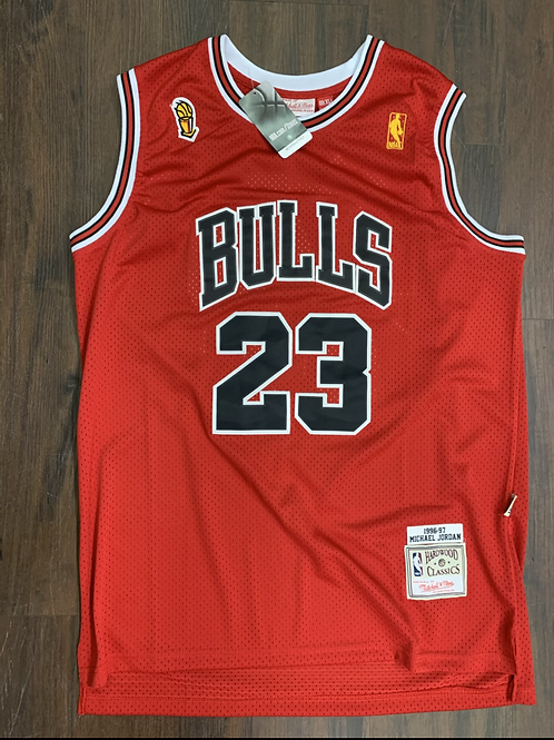 Hardwood Classics - Mitchell & Ness '96-'97 Bulls Throwback Jordan Jersey