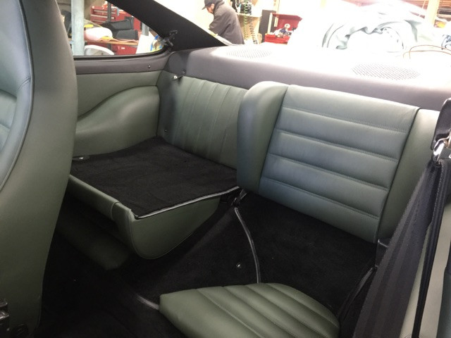 Porsche 911 leather seats