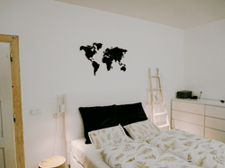 walltrix metal world map in white interior