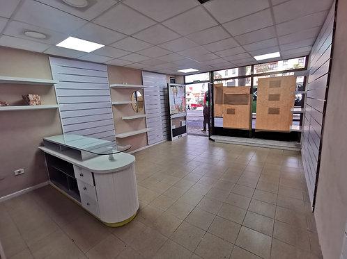 Alquiler local comercial en la estación de guaguas LA OROTAVA