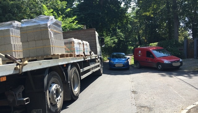 Chaos caused by ONE lorry delivering materials for ONE small extension