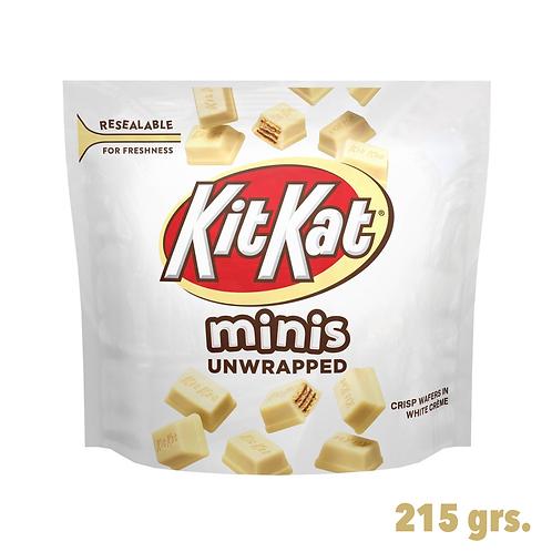 Kit Kat White Minis Unwrapped