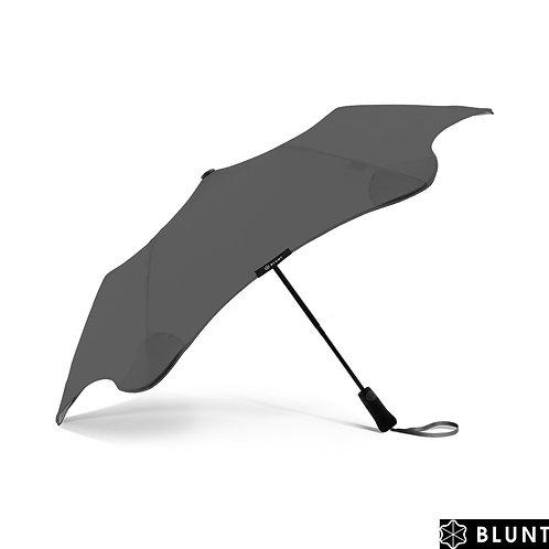 Doskonały szary parasol Automat Metro Charcoal Blunt™