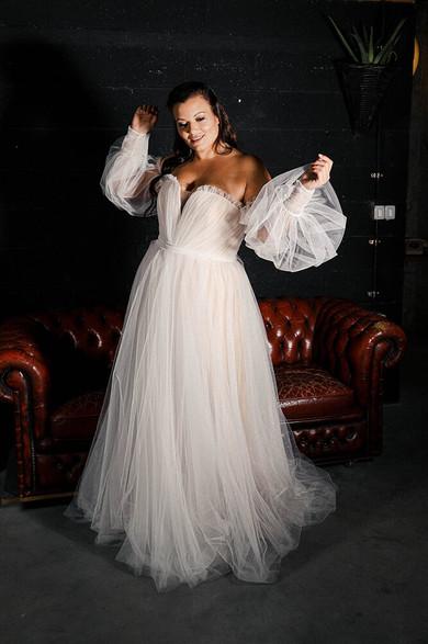 Plus-size-wedding-dress_Tamia-3.jpg