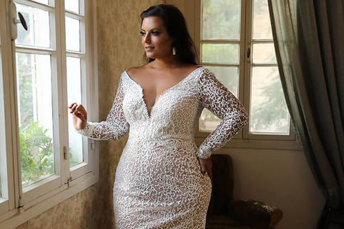 Plus-size-wedding-gown_Madison-with-slee