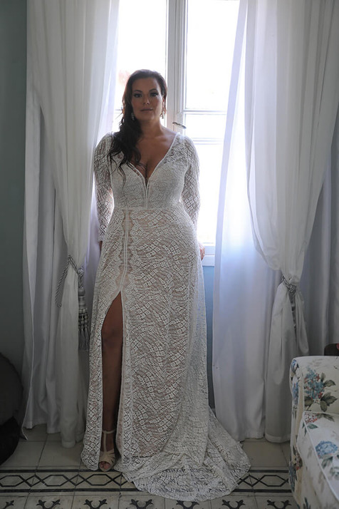 Plus-size-wedding-gown_Mia-with-sleeves-