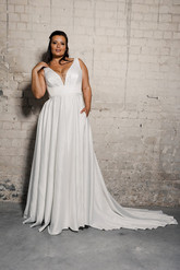 Plus-size-wedding-dress_Narnia-7.jpg