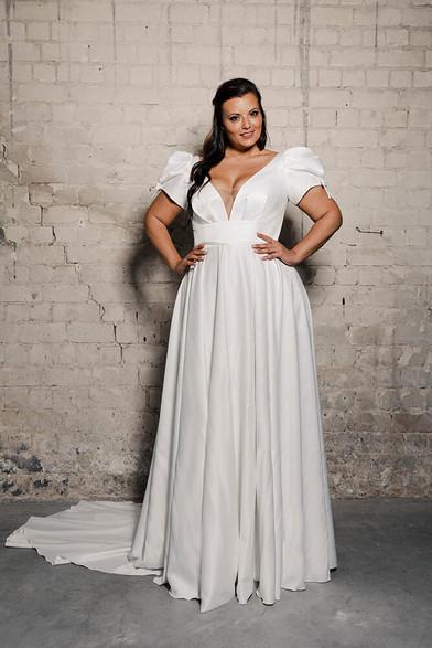 Plus-size-wedding-dress_Narnia-3.jpg