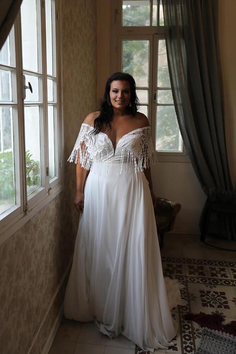 Plus-size-wedding-gown_Riley-6.jpg