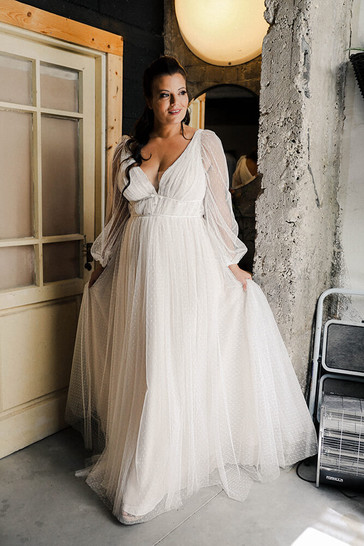 Plus-size-wedding-dress_Tair-2.jpg