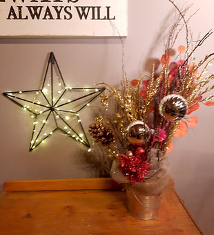 Holiday Table Arrangements - 06