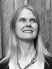 Brenda Muller Headshots.png