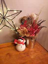 Holiday Table Arrangements - 07