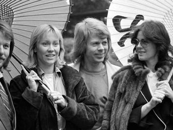 Группа ABBA продержалась тысячу недель в британском хит-параде.