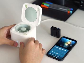 Cardlax EBW: машинка для чистки TWS-наушников от серы.