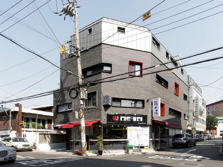 Seongsan-dong retail building