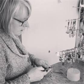 mrs-wellydog-making-jewellery[1].jpg