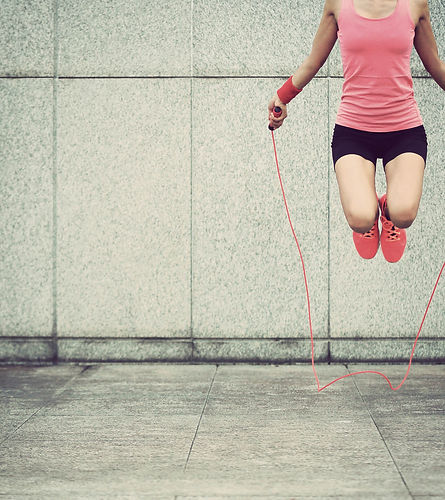 Woman-skipping-rope-feet.jpg