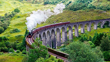 0_Steam-Train-on-Glenfinnan-Viaduct-Scot