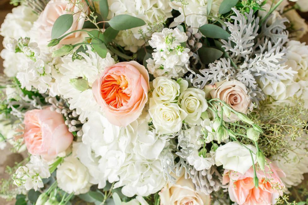 Jordan & Lyndsey florals-0094.jpg