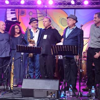 From Left to Right:  Helio Alves, Kim Nazarian, Marco Pignataro, Guillermo Nojechowicz, Brian Lynch, Fernando Huergo — Photo Credit: Dahiana Vazquez