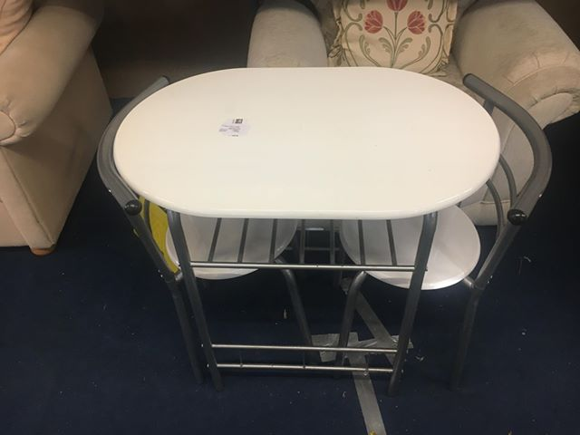 table + chairs.jpg
