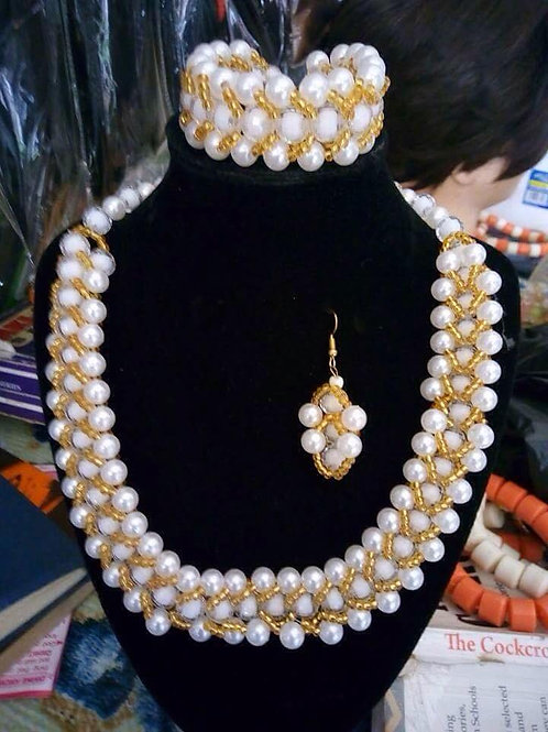 Gold Filigree Peal Jewellery Set