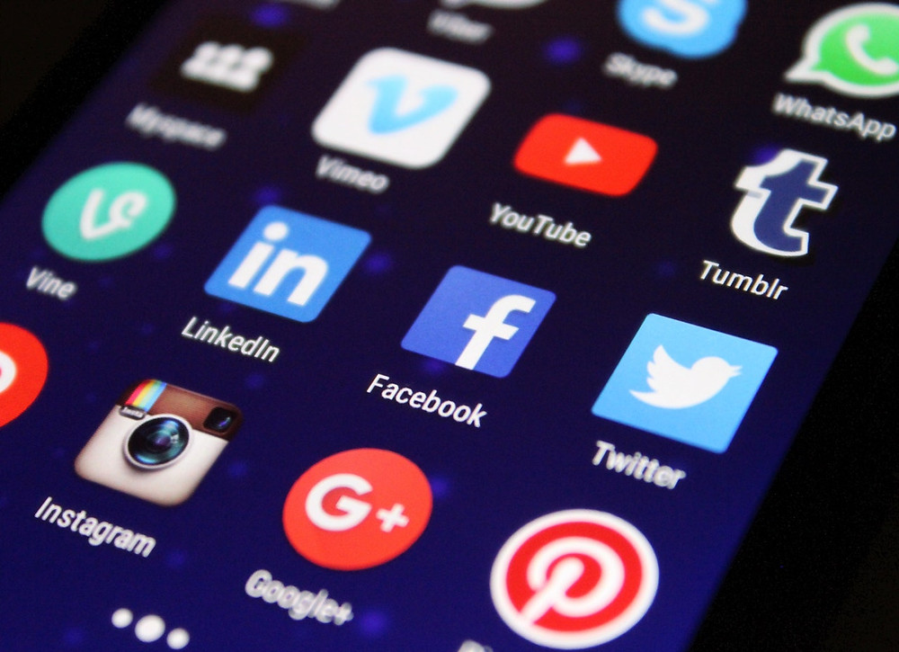 Icons of most common social media channels as visible on a smartphone