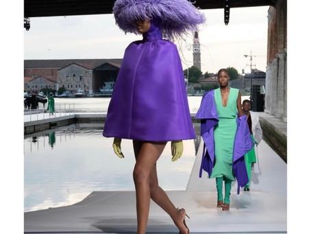 Valentino: Des Ateliers Haute Couture
